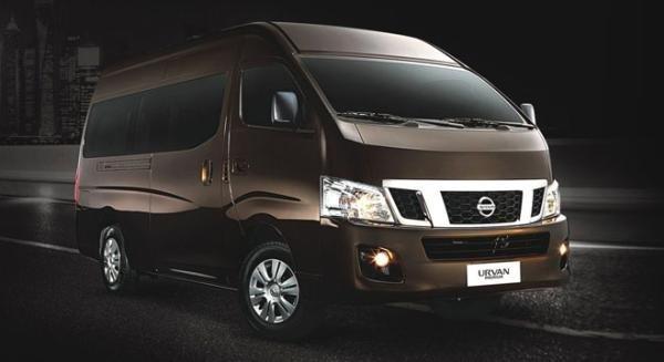 Nissan NV350 Urvan Premium angular front