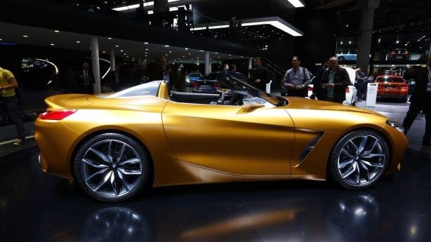 BMW Z4 2019 Concept side view