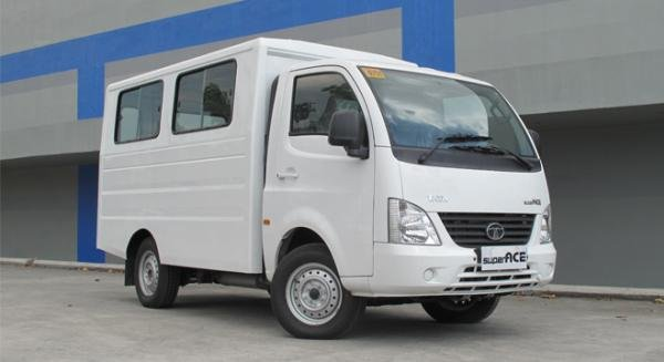 Tata Super Ace angular front