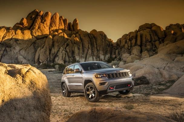The Jeep Grand Cherokee climbing up the mountains