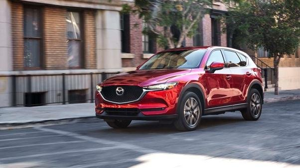 The Mazda CX-5 2017 on the road