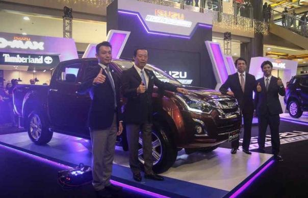 The updated D-max and delegates at the debut event