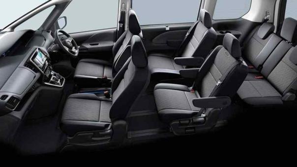 Nissan Serena e-Power interior