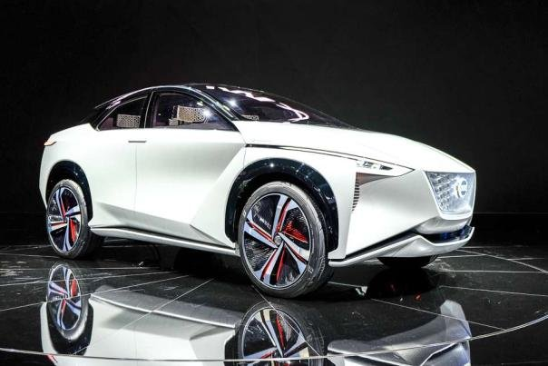 Angular front of the Nissan IMx concept