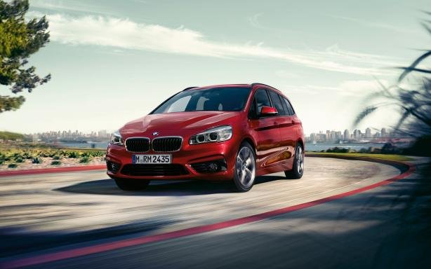 Angular front of a red BMW 2 Series Gran Tourer 2018