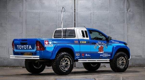 Toyota Hilux Bruiser angular rear