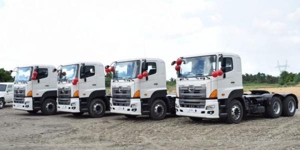 Trucks in Hino Isabela