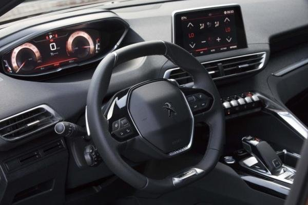 Interior of the Peugeot 3008 2018