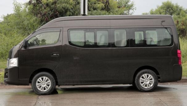 Nissan Urvan Premium 2018 side view
