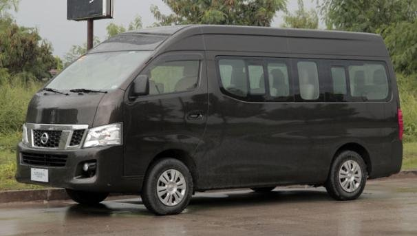 Nissan Urvan 2018 side view