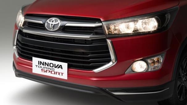 Front fascia of the Toyota Innova Touring Sport 2018