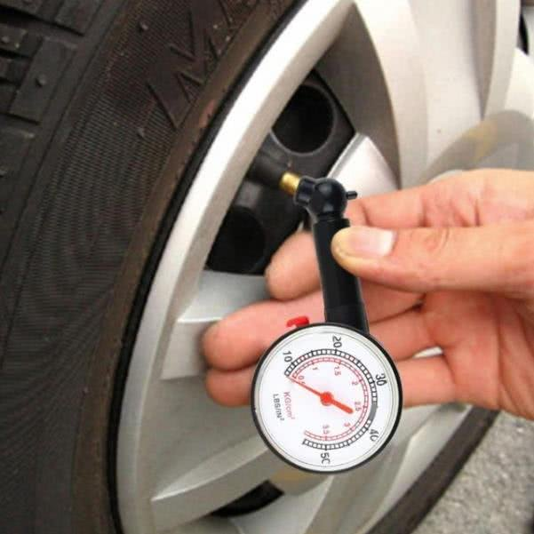 Mini tire pump with gauge