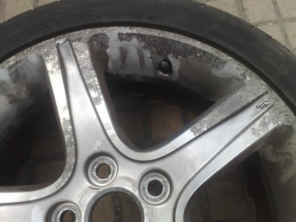 a rusty wheel