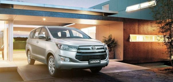 Toyota Innova 2018 front view