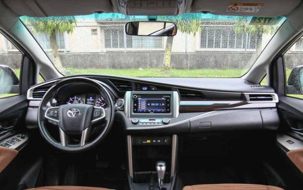 Toyota Innova 2018 dashboard