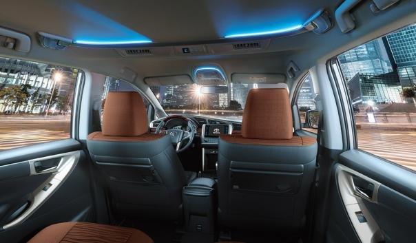 Toyota Innova 2018 cabin