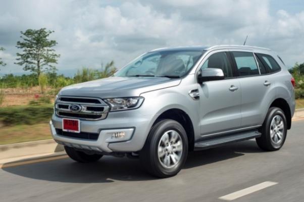 Third-gen Ford Everest angular front