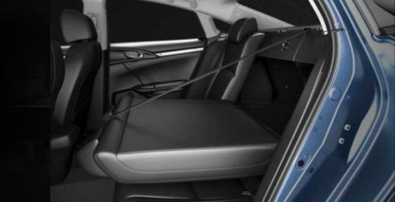 Honda Civic 2018 rear seats