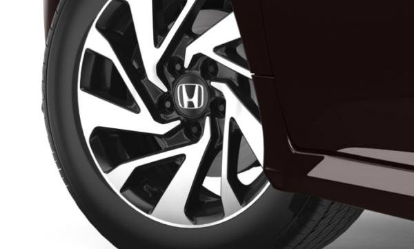 Honda Civic 2018 wheel