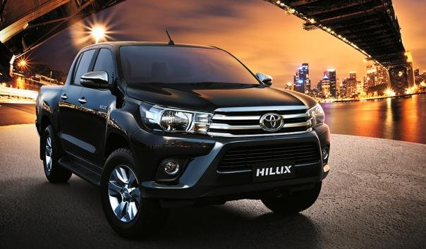 Toyota Hilux 2018 front view