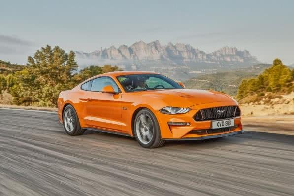 Ford Mustang 2018 on the road