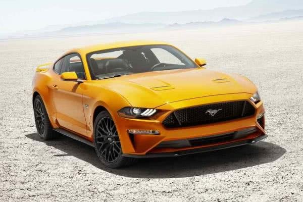 Ford Mustang 2018 in comparison with Ford Mustang 2010