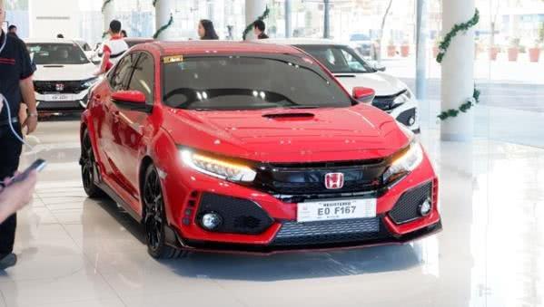 Honda Civic Type R 2018 on display at Honda Manila Car Bay