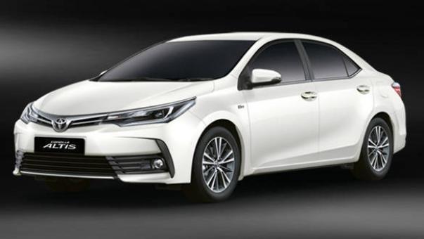 Toyota Altis 2018 India angular front