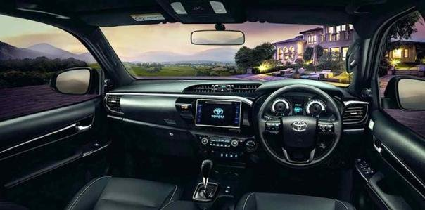 2018 Toyota Hilux Rocco facelift interior