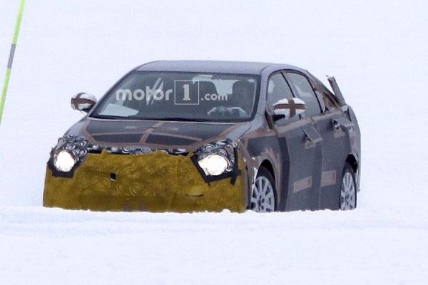12th-gen Toyota Altis spy photo