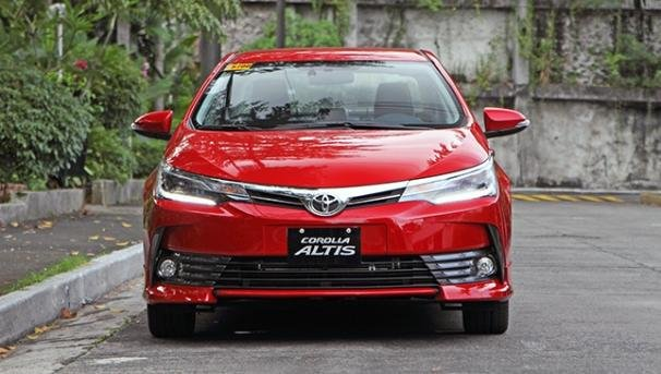 Toyota Altis 2018 front view