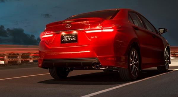 Toyota Altis 2018 angular rear