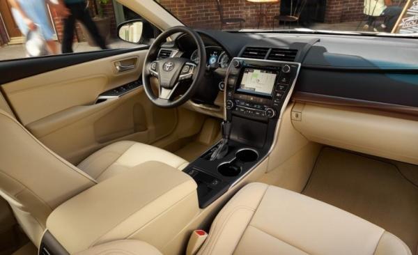 Toyota Camry V6 2017 interior
