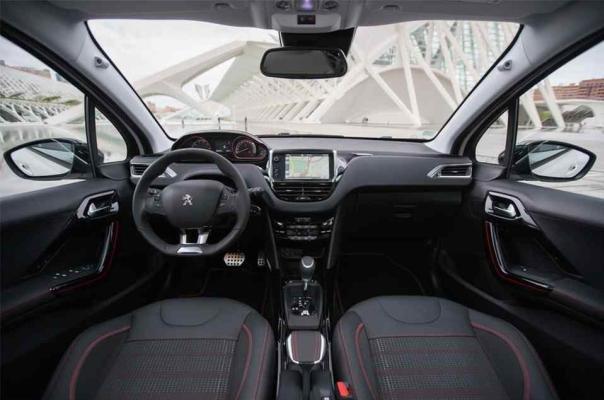 Peugeot 2008 2018 interior