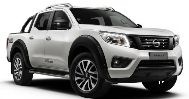 Nissan Navara Black Series 2018 angular front