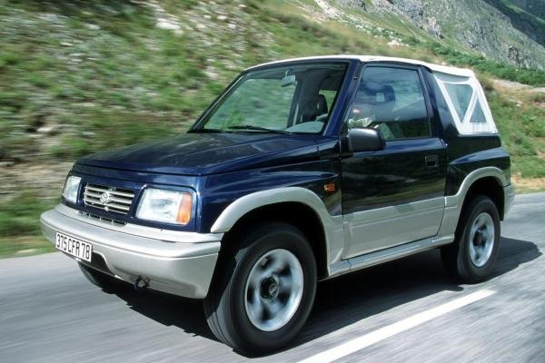 Angular front of the 1st gen Suzuki Vitara