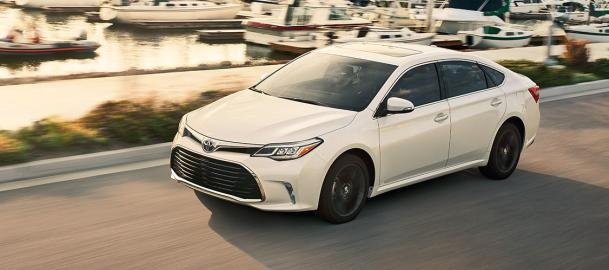 fourth-gen Toyota Avalon on the road