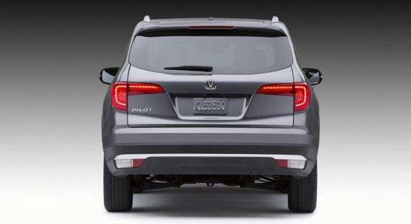 Honda Pilot 2018 rear view