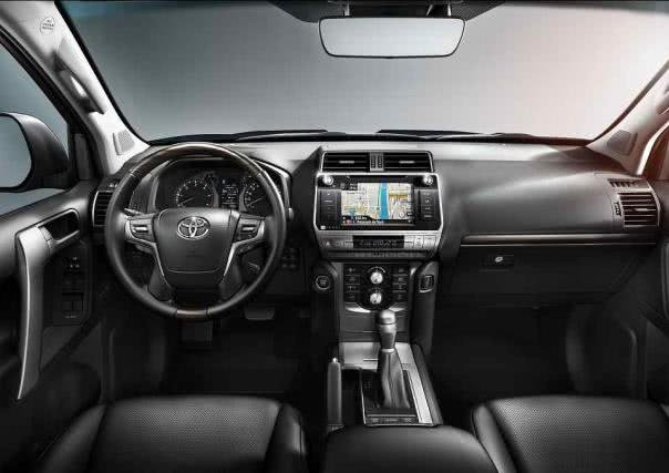 Toyota Land Cruiser 2018 dashboard