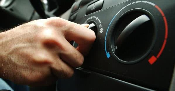 adjusting car air conditioning