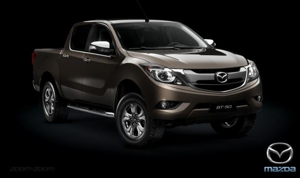 Mazda BT-50 2018 angular front