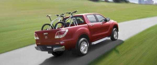 Mazda BT-50 2018 on the road