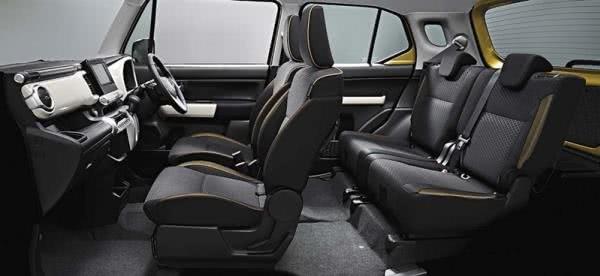 Suzuki XBEE 2018 interior