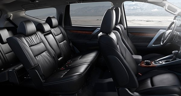 Mitsubishi Montero 2018 cabin