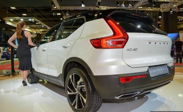 Volvo XC40 2018 angular rear