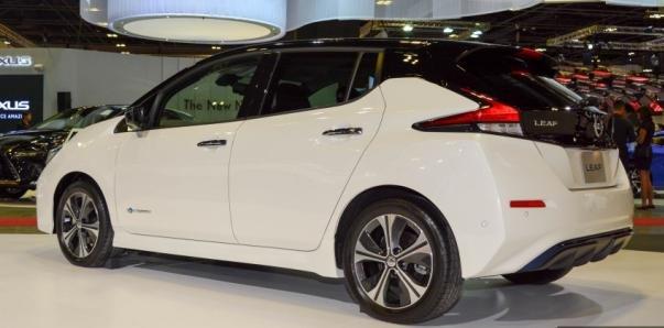 Nissan Leaf 2018 rear view