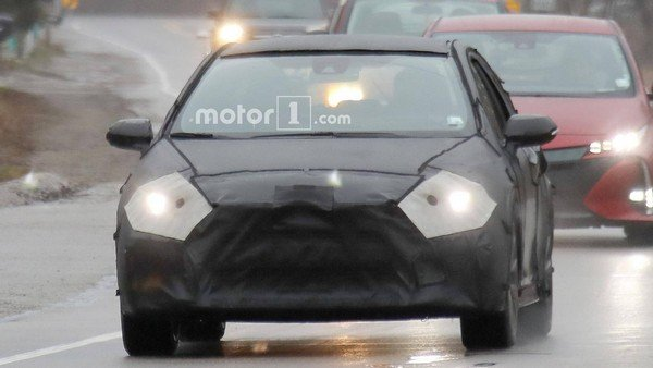 Toyota Corolla 2020 spyshot front fascia