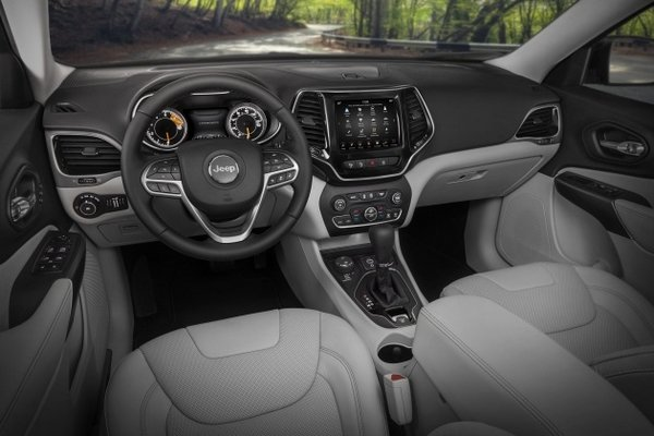 Jeep Cherokee 2019 interior