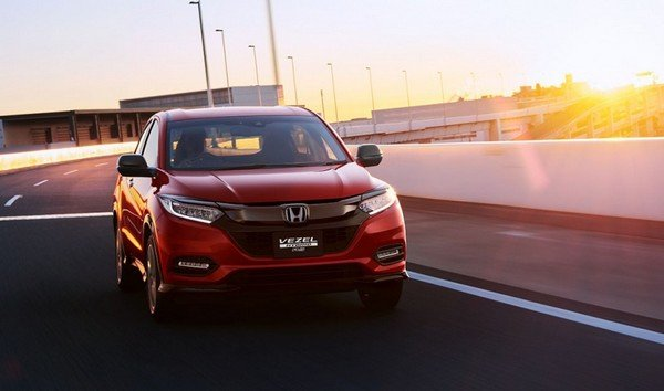 Honda HR-V 2018 facelift on the road