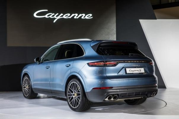 the angular rear Porsche Cayenne 2018